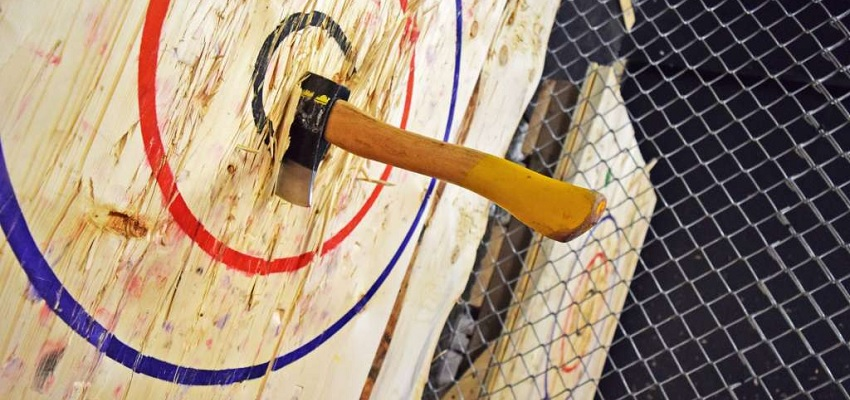THE AXE THROWING CLUB (BARCELONA): OFERTA LANZAMIENTO DE HACHAS